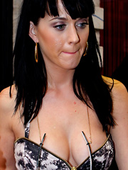 Katy Perry showing off sweet cleavage
