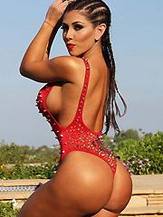 Carmen Ortega sexy meaty swimsuit pictures