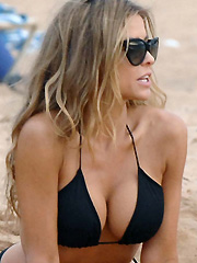 Carmen Electra hot bikini booty on the beach