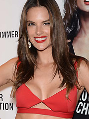 Alessandra Ambrosio hot supermodel cleavage