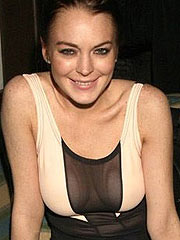 Lindsay Lohan see thru cleavage in public