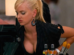 Anna Faris bending over and shows big cleavage