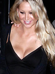 Anna Kournikova great cleavage and leggy