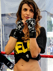 Elisabetta Canalis hotness will knock you out