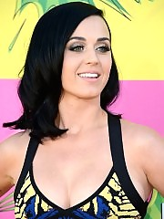 Katy Perry looks so sexy and hot