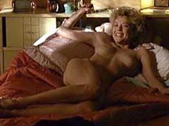 Annette bening julianne moore sex scene commit error
