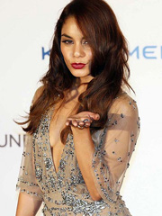 Vanessa Hudgens braless flashes cleavage