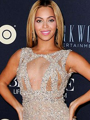 Beyonce Knowles busts see through cleavage
