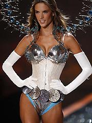 Alessandra Ambrosio amazing in lingerie