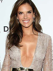 Alessandra Ambrosio hot braless cleavage