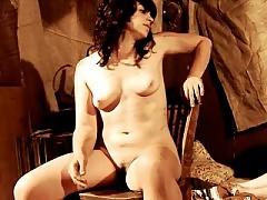 Amber Rowe nude shows nice tits and bush
