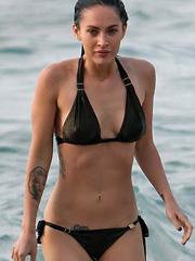 Megan Fox bikini shots confirm her hotness