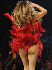 Jennifer Lopez shaking big old booty