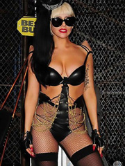 Lady GaGa looks hot in dominatrix costume