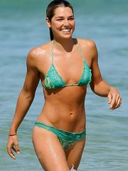 Ashley Hart bikini hotness hit the beach