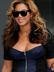 Beyonce Knowles pregnant and very busty