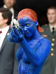 Jennifer Lawrence Bodypaint — Almost Naked BTS On The Set ...