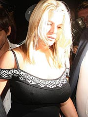 Jessica Simpson showing her very hard nipples