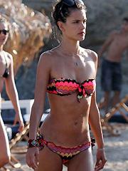 Alessandra Ambrosio bikini candid pictures