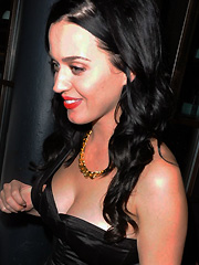 Katy Perry cleavage still deserve attention