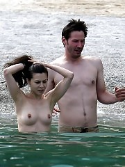 Keanu Reeves Girlfriend China Chow Showed Nude Tits At The B...