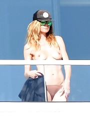 Heidi Klum nude tits exposed