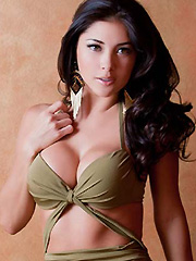 Arianny Celeste busty swimsuit photoshoot