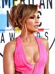 Jennifer Lopez Cleavage At American Music Awards