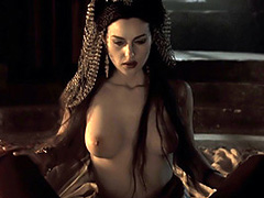 Monica Bellucci naked as sexy vampire