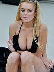 Lindsay Lohan big breasts in a swimsuit
