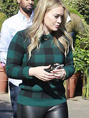 Hilary Duff juicy booty stuffed in leggings