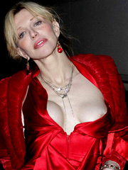 Courtney Love oops flashes nipple slip