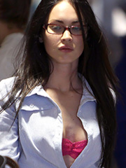 Megan Fox sexy nerd shows her pink bra