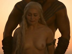 Emilia Clarke Nude Boobs And Nipples In Game of Thrones Seri...