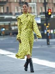 Rihhana In Green Dress
