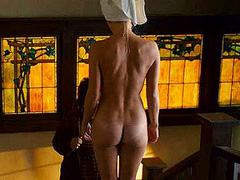 Anna Faris naked showing off hot bare butt