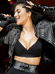 Nicole Scherzinger super hot performance