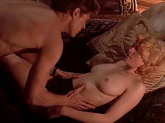Madonna expose her nudity in sex scene