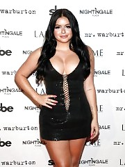Fat Ariel Winter Flashes Her Huge Boobs & Fake Lips