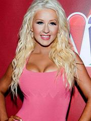 Christina Aguilera busty hotness comeback