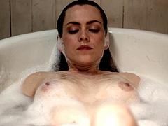 Anabella Casanova naked lying in bath tub