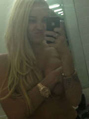 Amanda Bynes topless twitter pictures
