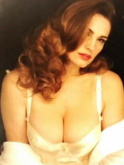 Kelly Brook busts hotness for new perfume