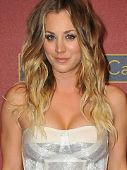Kaley Cuoco hot cleavage on the red carpet