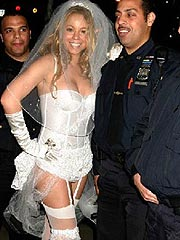 Mariah Carey big boobs in wedding dress