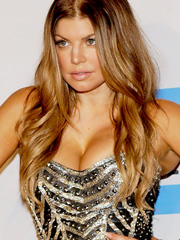Fergie drops some sweet tanned cleavage