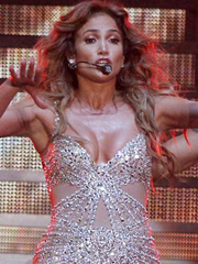 Jennifer Lopez oops nipple slip at stage
