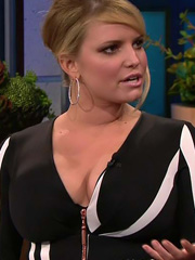 Jessica Simpson boobs hit the tonight show