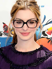 Anne Hathaway sexy while wearing nerd glasses