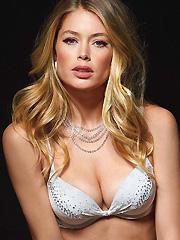 Doutzen Kroes returns with lingerie hotness